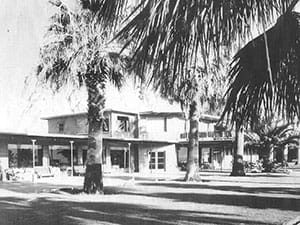Front view of the historical Palms at Indian Head hotel
